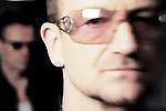 U2 сняли клип на песню о Джоуи Реймоне - Рокеры U2 презентовали клип на песню «The Miracle (of Joey Ramone)» в ознаменование …
