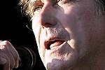 Брайан Ферри снял клип в стиле 'Американского психопата' - Экс-фронтмен Roxy Music Брайан Ферри презентовал видеоклип на песню «Loop De Li» с …