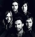 Maroon 5 попросили помощи у фанатов - Популярная группа Maroon 5 определилась с третьим синглом к последнему альбому «Overexposed». Им …