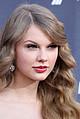 Тейлор Свифт опять наградили - Еще одна приятная новость для поклонников Тейлор Свифт. Американская академия музыки кантри назвала …