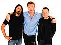 Foo Fighters сыграют концерт в гараже своих фанатов - Рокеры собираются отыграть серию концертов прямо на дому у своих фэнов. Группа приедет домой к …