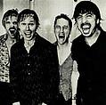 Foo Fighters предлагают своим фанатам снять для группы клип - Музыканты решили не приглашать профессиональных режиссеров для записи нового видео, а предлагают …
