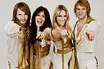 ABBA снова вместе 30 лет спустя - Впервые с 1986 года участники группы решили снова выступить вместе в честь своего 50-летия …
