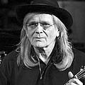 Гитарист Wings и Pink Floyd ушел из жизни - На 72 году жизни скончался гитарист Генри Маккалоу, игравший у Пола Маккартни в группе Wings, а …